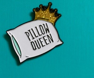 pins and pillow queen image