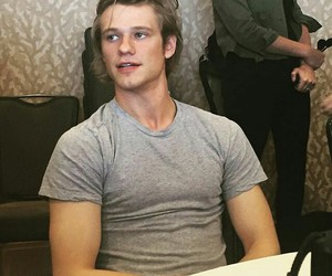 macgyver and lucas till image
