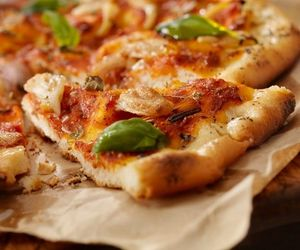 food, restaurants, and pizza image