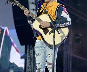 justin bieber, justin, and one love manchester image
