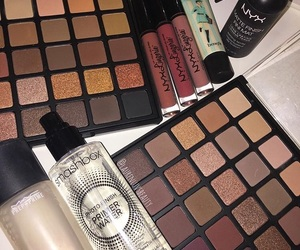palettes, smashbox, and setting spray image