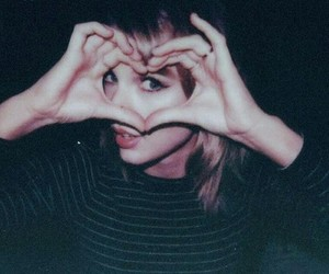 Taylor Swift, 1989, and heart image