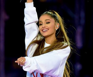 ariana grande and onelovemanchester image