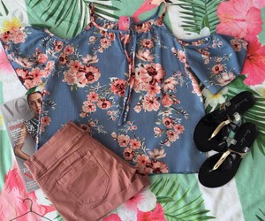 outfit, pink, and verano image