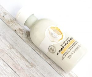 body care, thebodyshop, and body wash image