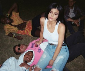 jenner, kyliejenner, and kylizzle image