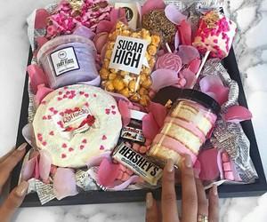bonbon, sucreries, and plateau image