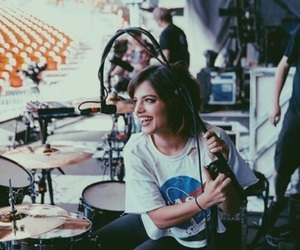 nia lovelis, hey violet, and icon image