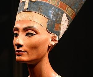 bust and nefertiti image