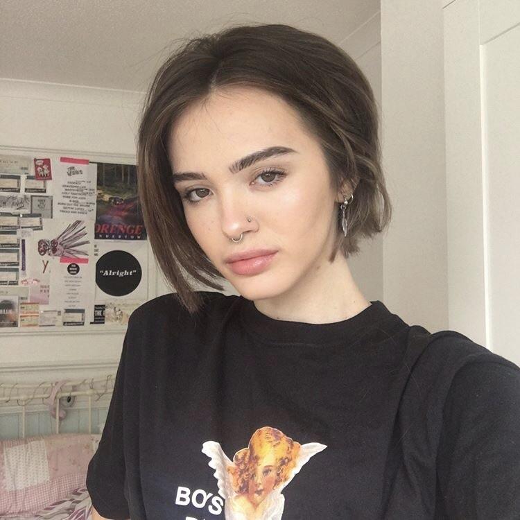 brunette, girl, and grunge image