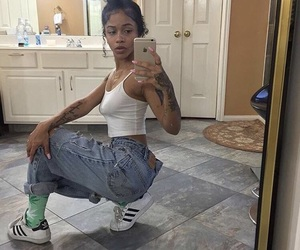 who is she and deja hiott image