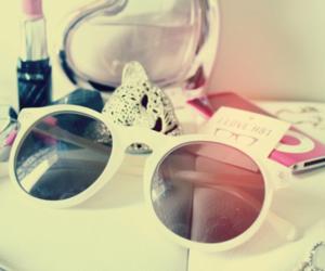 leopard, sunglasses, and lipstick image
