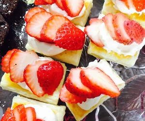 cafe, cheese cake, and strawberry image