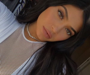 kylie jenner, makeup, and kardashian image