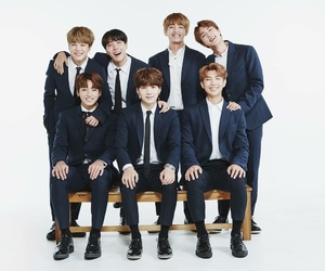 bts family post 2017 image