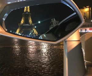 car and paris image
