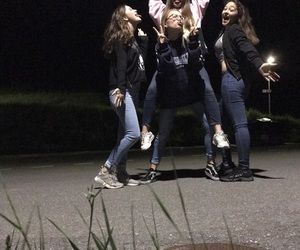 best friends, squadgoals, and night image