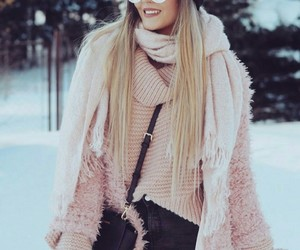 girl, outfit, and winter image