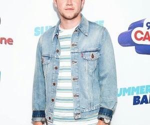 red carpet, capital fm, and 1d image