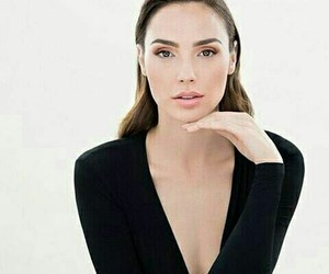 gal gadot and beautiful image