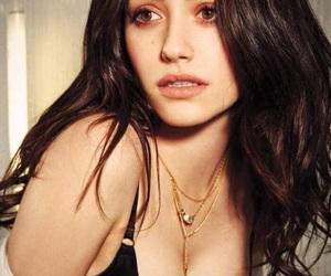 emmy rossum and shameless image