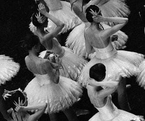balett, blanco y negro, and girl power image