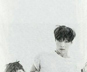 black and white, lay, and lockscreen image