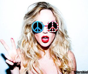 girl, peace, and blonde image