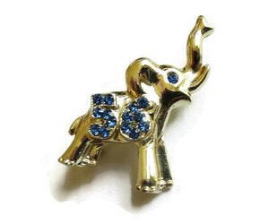 brooch, elephant, and jewelry image