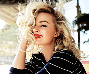 margot robbie, actress, and blonde image