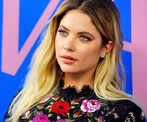 ashley, pretty little liars, and ashley benson image