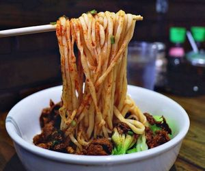 chinese food, Hot, and noodles image