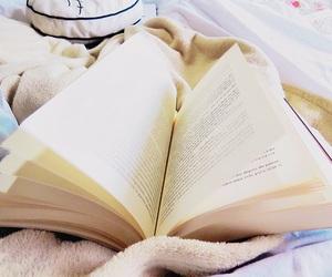 book, leitura, and book holic image