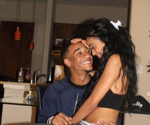couple and lil za image