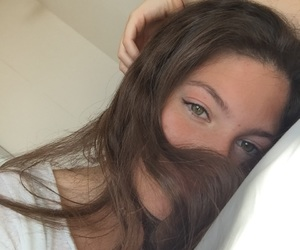 beauty, brown hair, and girl image
