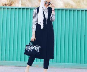 hijab, hijabista, and hijab fashion look image