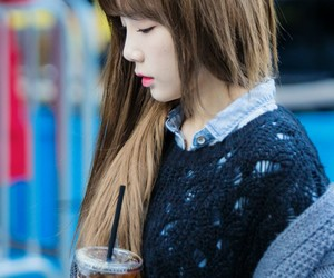 k-pop, taeyeon, and girl's generation image