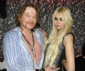 Taylor Momsen and axl rose image