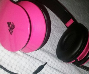 cuffie rosa and beautiful $$ . image