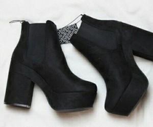 black, jinochova, and shoes image