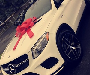 2016, car, and gift image