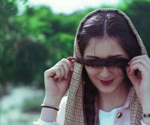 خجل, حجاب, and ترف image