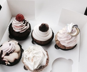 food, cupcake, and yummy image