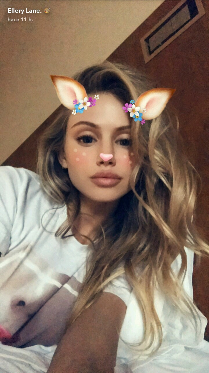 scarlett leithold and snapchat image