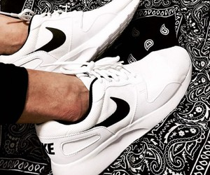 nike, slippers, and roshe run image