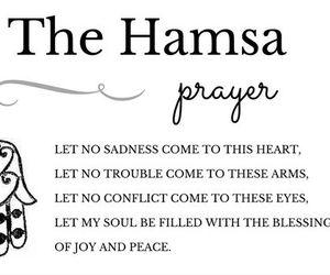 prayer and hamsá image