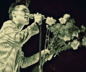 morrissey, flowers, and the smiths image