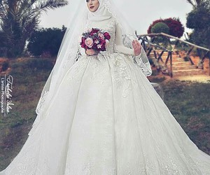 dress, islam, and mariage image