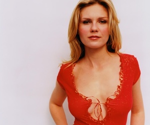 Kirsten Dunst and very sexy belly button image