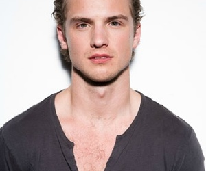 celebrities, Freddie Stroma, and sexy image